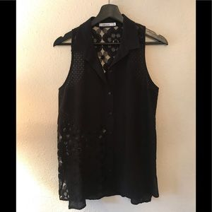 Red haute Black Lace Sleeveless Top firm